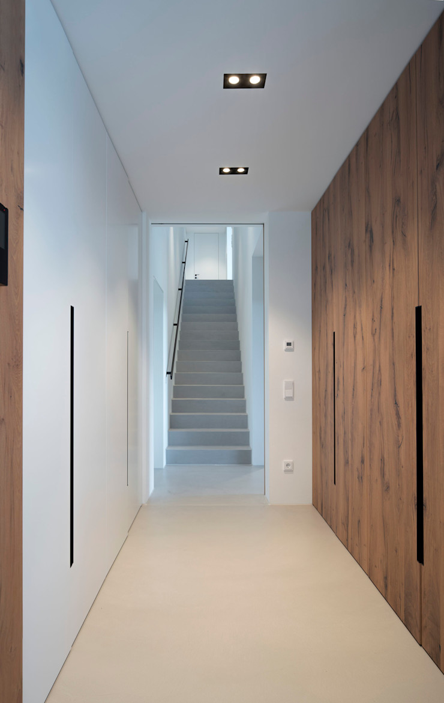 Fichtner Gruber Architekten Modern style dressing rooms