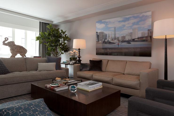 Bespoke bachelor pad park avenue, NYC Darci Hether New York Modern Living Room