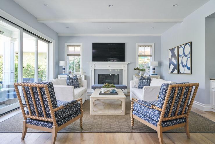 Amy Peltier Interior Design & Home Ruang Keluarga Modern