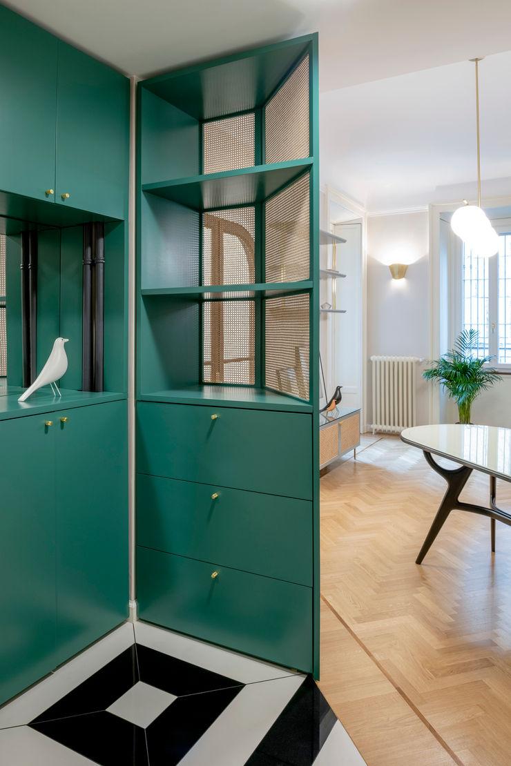 PLUS ULTRA studio Коридор, коридор і сходиВисувні ящики та полиці Зелений