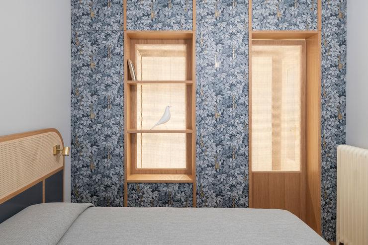 PLUS ULTRA studio Стіни & ПідлогиШпалери Сірий