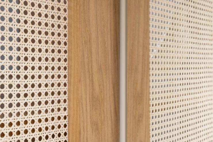 PLUS ULTRA studio ВбиральняГардероби та висувні ящики Дерев'яні