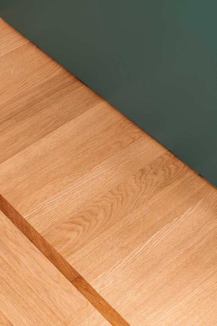 PLUS ULTRA studio Стіни & ПідлогиНастінні та підлогові покриття