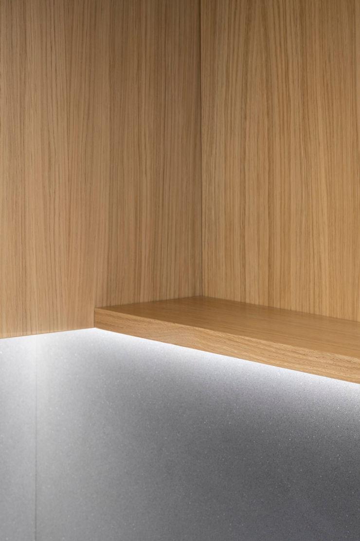 PLUS ULTRA studio КухняОсвітлення Дерев'яні