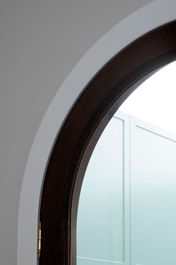 PLUS ULTRA studio Вікна & Дверi Двері