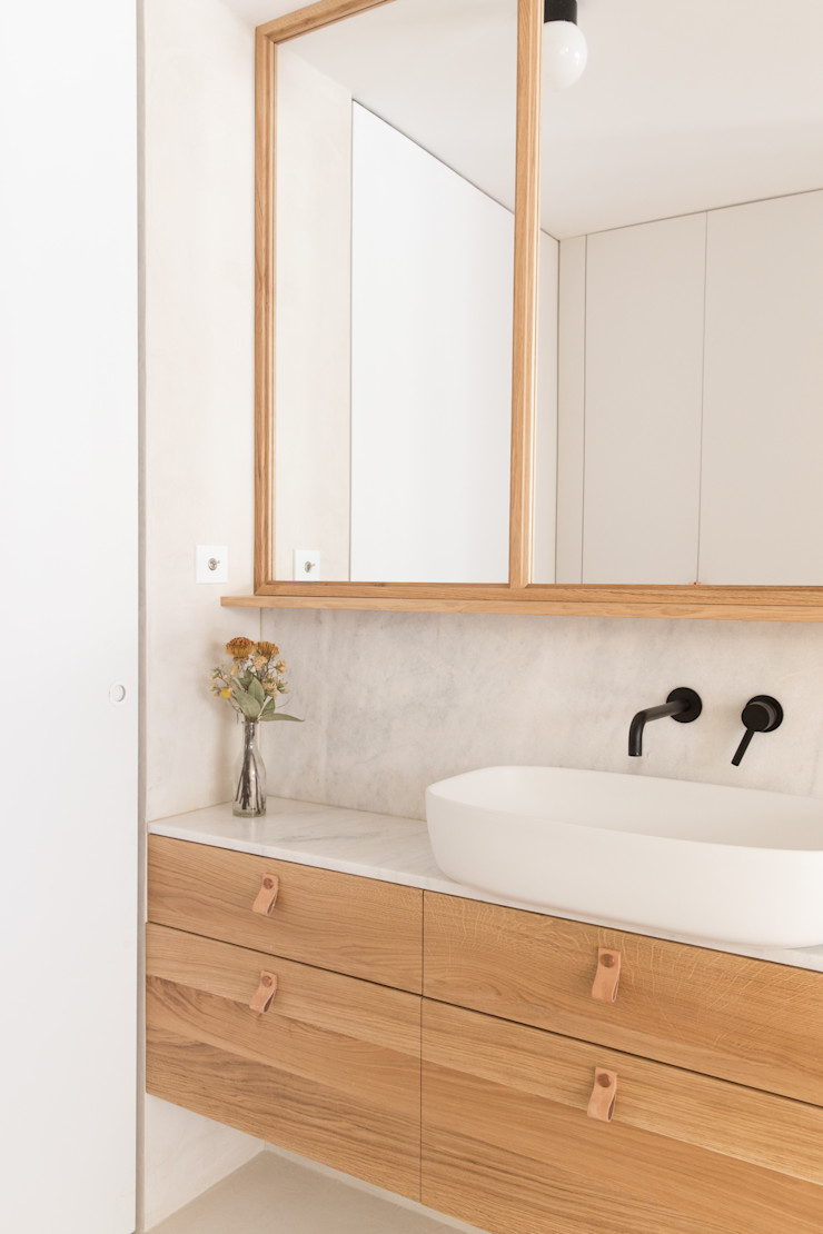 Plantea Estudio Scandinavian style bathrooms