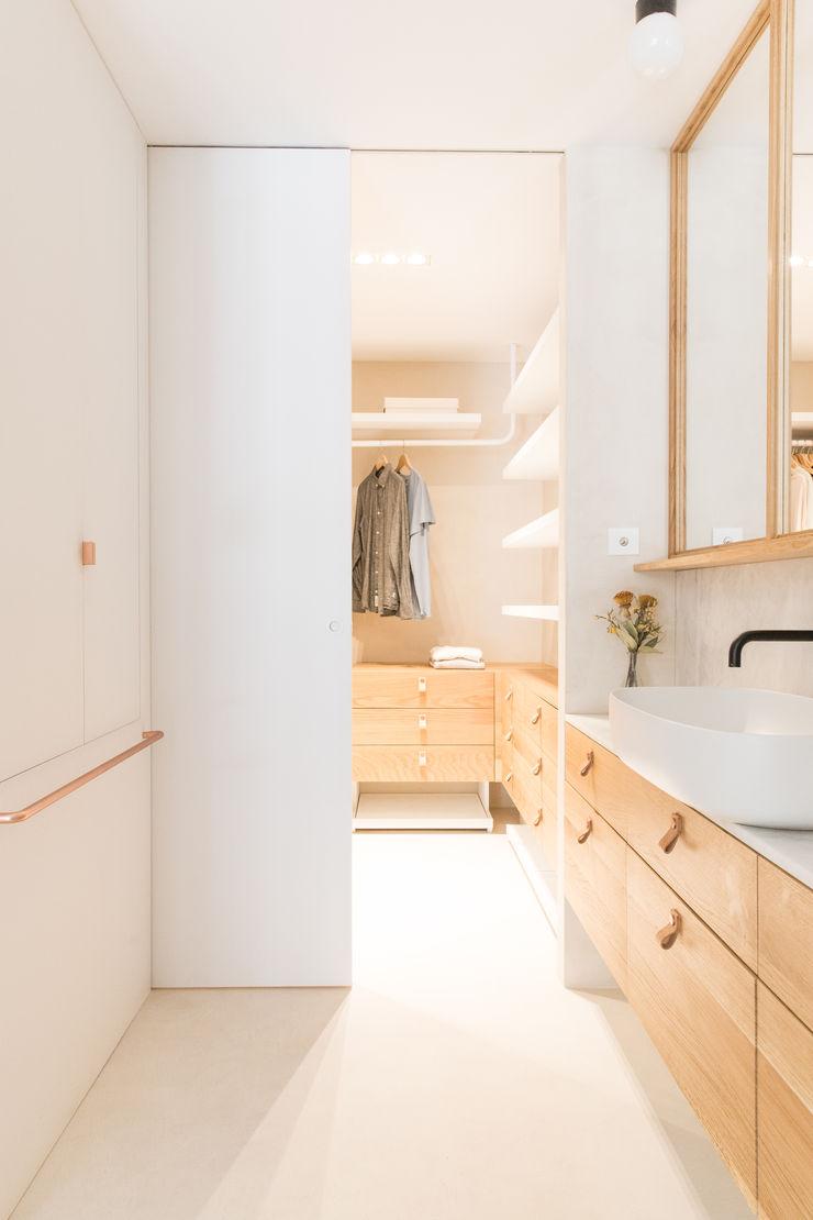 Plantea Estudio Scandinavian style dressing rooms