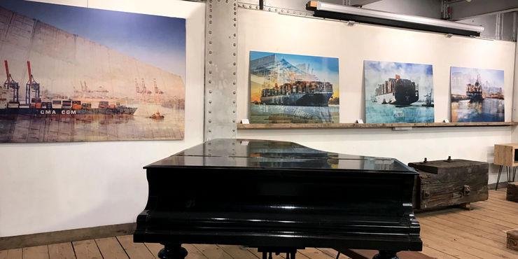 harbourlights Ausstellung in der Hamburger Speicherstadt, eindrückliche Werke ArtSelbach Moderne Arbeitszimmer Aluminium/Zink Mehrfarbig