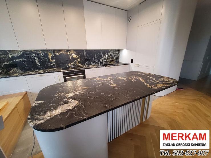 Merkam - Łódź ul. Św. Jerzego 9 KitchenBench tops Stone Red