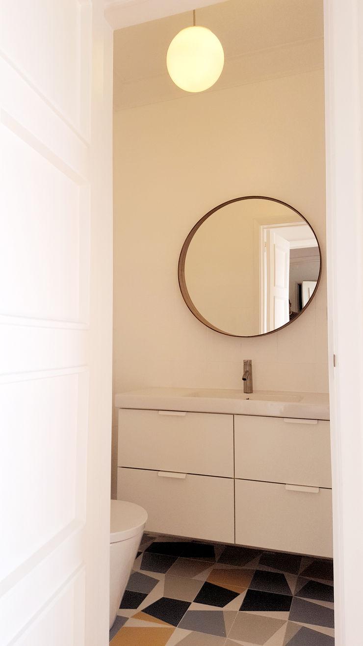 ARCHDESIGN LX Baños de estilo ecléctico Tablero DM Blanco