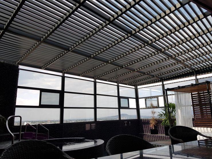 Merkalum Modern style balcony, porch & terrace Aluminium/Zinc Grey