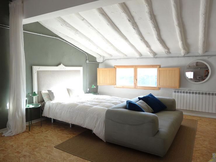 La casa VyF FGMarquitecto Dormitorios de estilo rústico