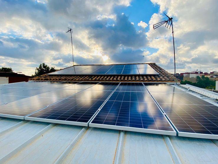 Cubierta inclinada con Paneles Fotovoltaicos AIRENTIS