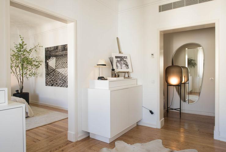 Closet - Master Suite Atelier Renata Santos Machado Closets modernos Branco