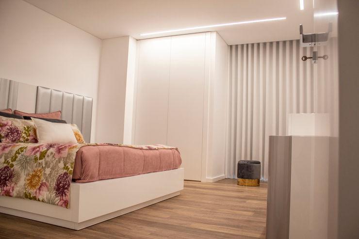 Plan-C Technologies Lda Спальня в стиле модерн
