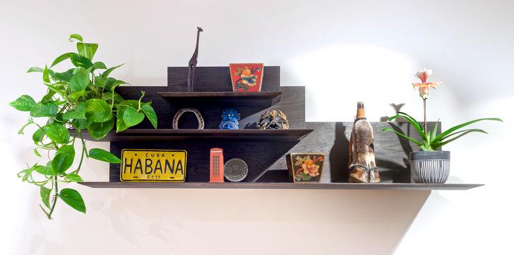 Shani Eck Ruang Keluarga Gaya Eklektik