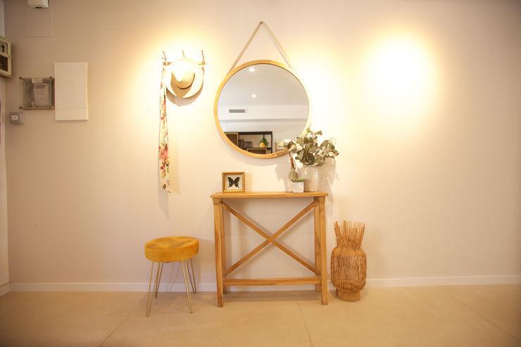 Shani Eck Murs & Sols modernes
