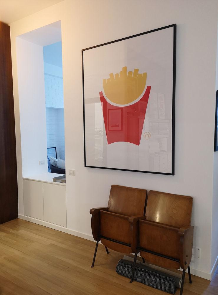 Zona ingresso - corridoio Studio Zay Architecture & Design Ingresso, Corridoio & Scale in stile eclettico Legno Bianco