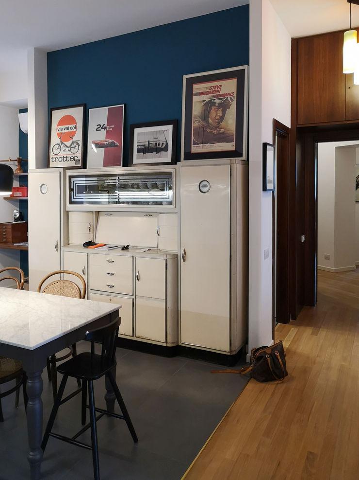 Zona cucina e pranzo Studio Zay Architecture & Design Cucina eclettica Legno Bianco