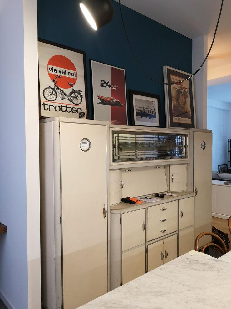 Cucina - Credenza anni '50 Studio Zay Architecture & Design CucinaContenitori & Dispense Legno Bianco