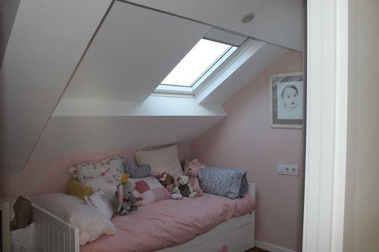 Dormitorio infantil ARDEIN SOLUCIONES S.L. Habitaciones de niñas Rosa