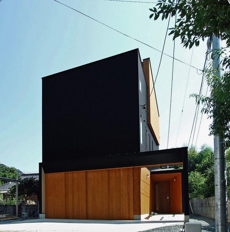 外観 岩瀬隆広建築設計 木造住宅 金属 黒色