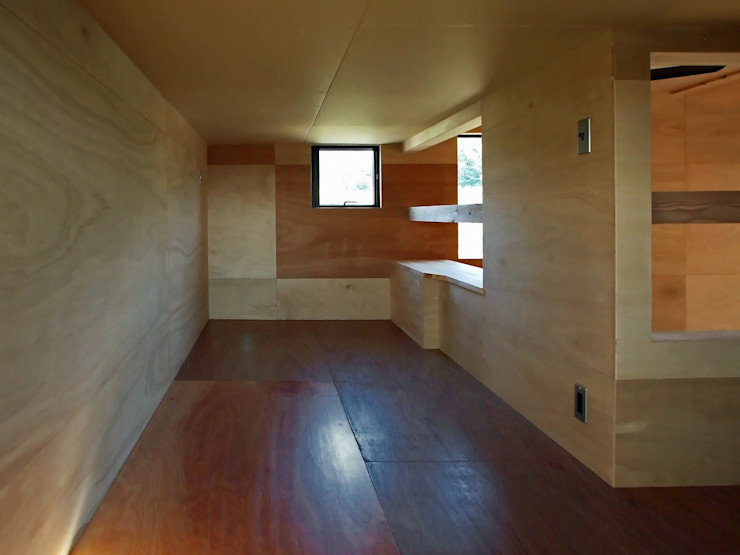 子供部屋 岩瀬隆広建築設計 モダンデザインの 子供部屋 無垢材 木目調