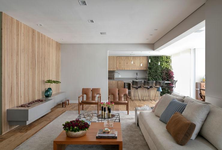 Todos ambientes integrados DCC by Next arquitetura Salas de estar mediterrâneas Bege