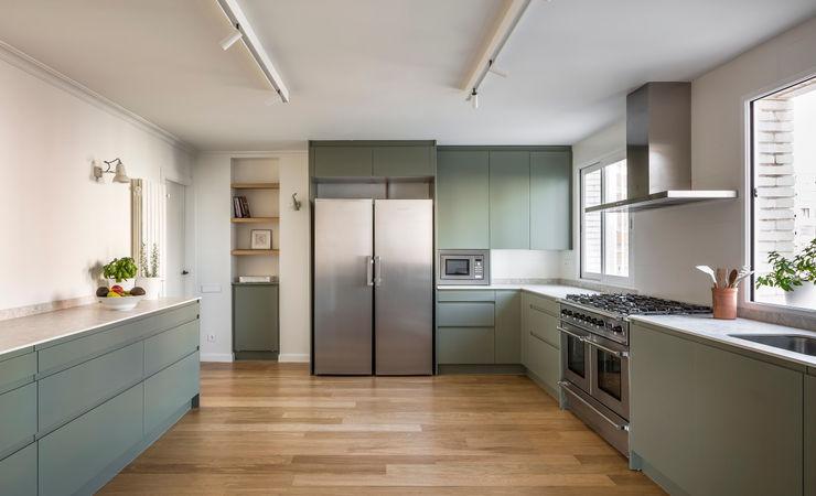 Vivienda en Ciudad Universitaria tambori arquitectes Cocinas integrales Verde