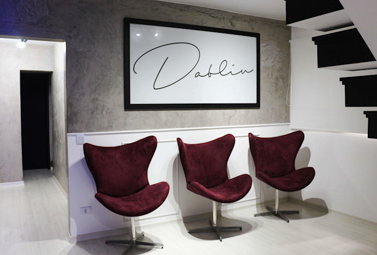 Sala de espera belissima! Carmela Design Lojas e Espaços comerciais modernos Madeira Vermelho