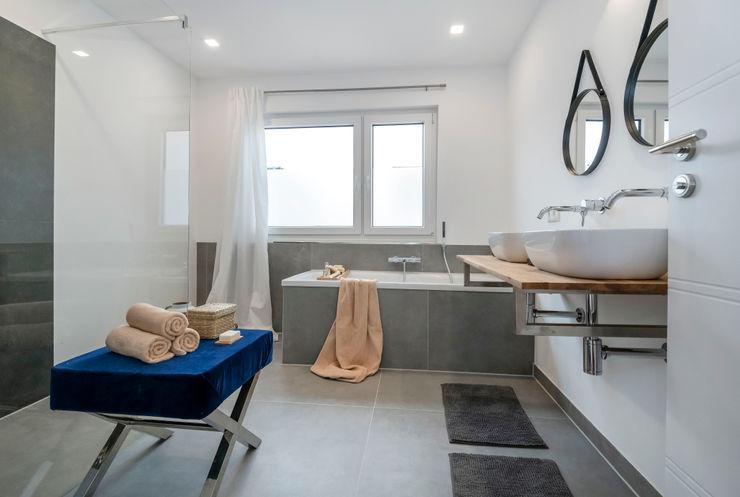 Cornelia Augustin Home Staging Ванная комната в скандинавском стиле