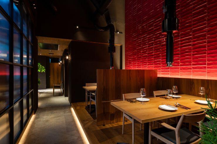 Matasaburo Mimasis Design/ミメイシス デザイン モダンなレストラン タイル 赤色
