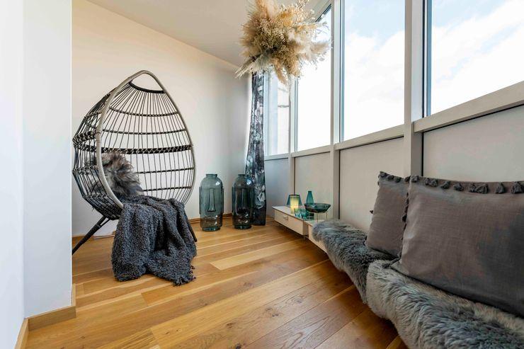 Münchner home staging Agentur GESCHKA Mediterranean style conservatory Grey