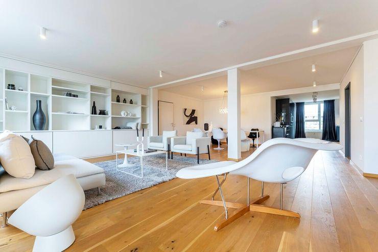 Münchner home staging Agentur GESCHKA Minimalist living room White