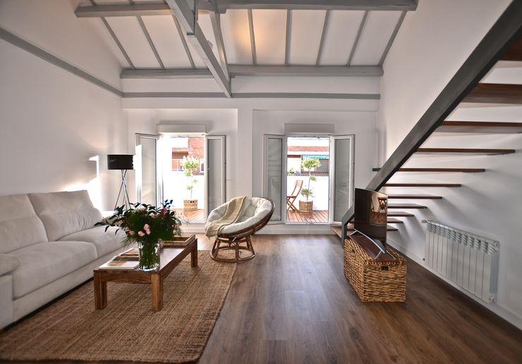 ARMONIA DECORACION Scandinavian style living room Wood White