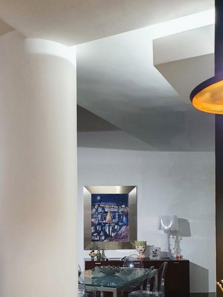 De woonkamer MEF Architect Moderne eetkamers Metaal Wit