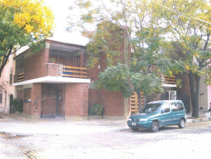 Vivienda Unifamiliar Arquitecto Daniel Luries Casas multifamiliares Ladrillos Naranja
