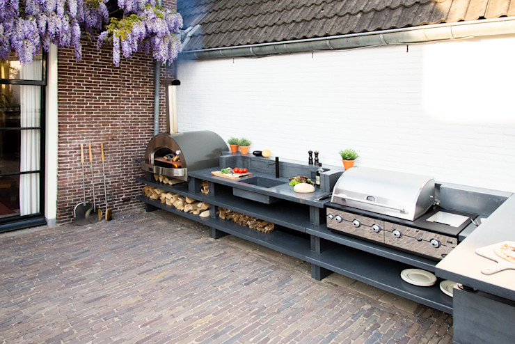 An outdoor kitchen with all the trimmings Alfa Forni Balconies, verandas & terraces Accessories & decoration