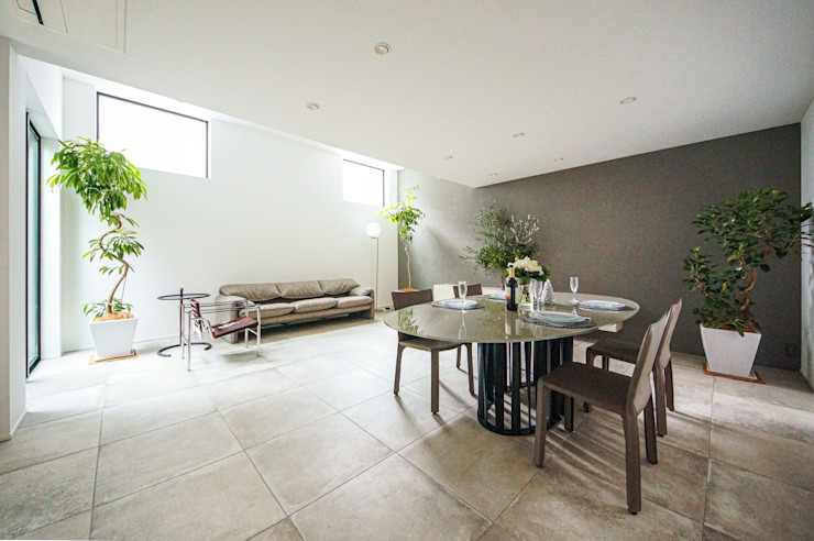 TERAJIMA ARCHITECTS/テラジマアーキテクツ Modern Yemek Odası Bej