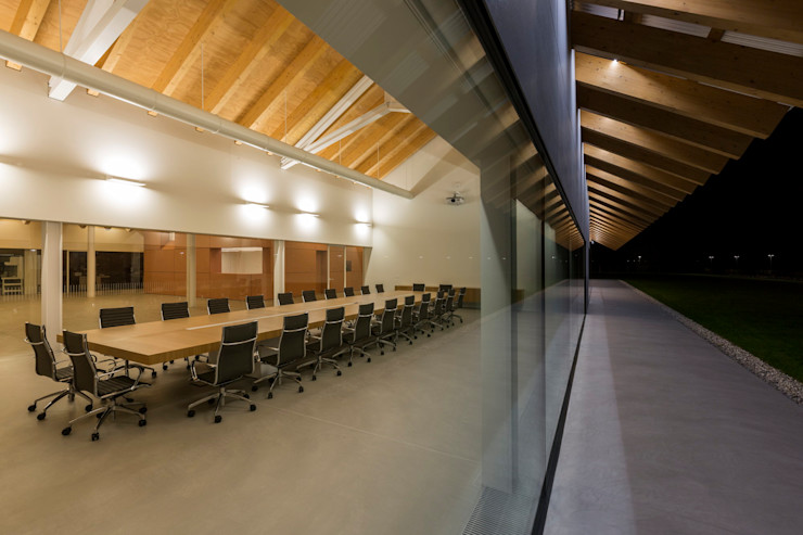 VCR RESEARCH CENTER - ESTERNI Elia Falaschi Fotografo Complesso d'uffici moderni