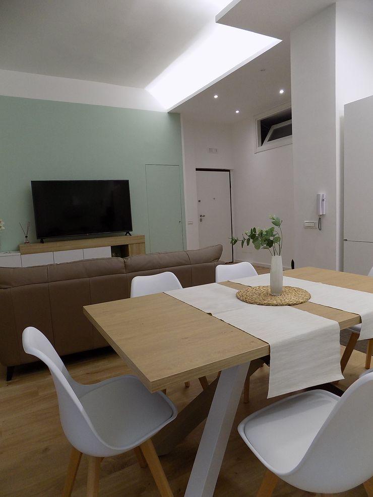 INTERIOR DESIGN ZONA LIVING Seven Project Studio Soggiorno moderno Legno Bianco