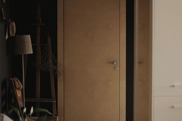 JENO Pracownia Projektowania Naturalnego Коридор, прихожая и лестница в эклектичном стиле