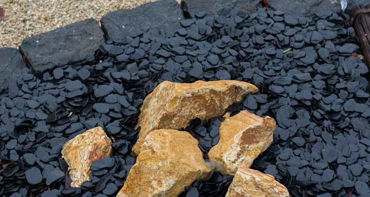 Yellow rocks with a gravel soil of rolled slate Canteras el Cerro Garden Accessories & decoration Slate Black