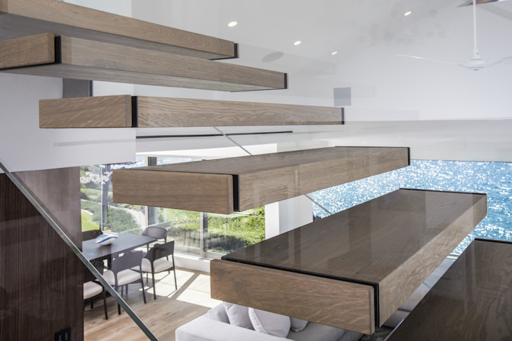 Siller Treppen/Stairs/Scale Balkon, Beranda & Teras Modern