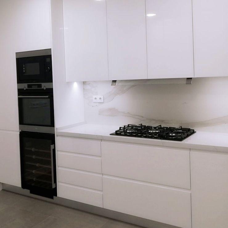 DIONI Home Design Cocinas integrales Cuarzo Blanco