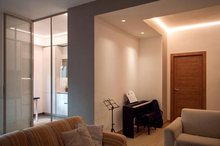OPA Architetti Modern living room Grey