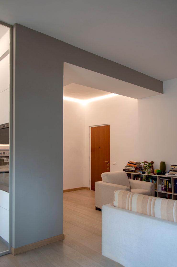 OPA Architetti Modern living room Wood Grey