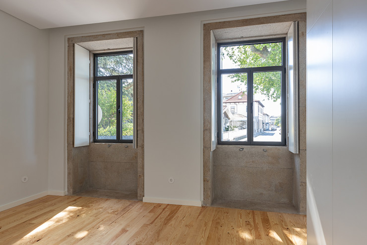 Quarto - Casa em S. Mamede (arquitetura) - SHI Studio Interior Design ShiStudio Interior Design Quartos pequenos