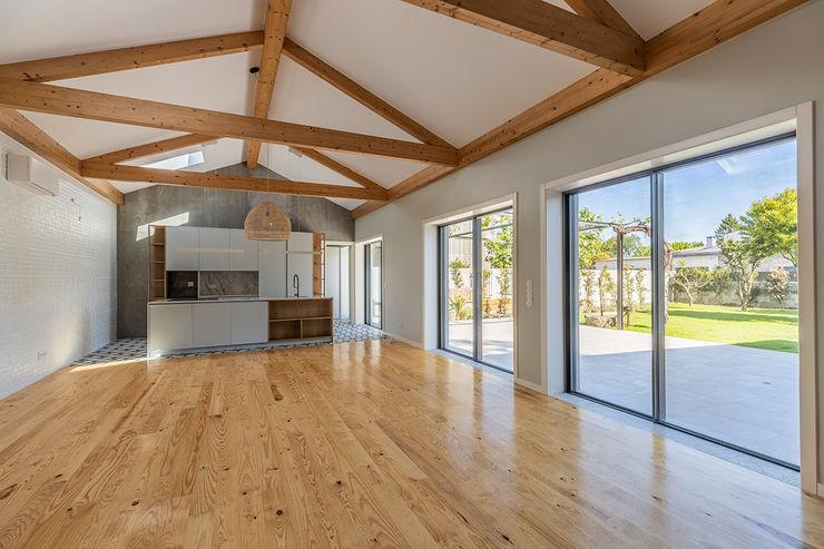 Depois - Cozinha | Sala - Casa em S. Mamede (arquitetura) - SHI Studio Interior Design ShiStudio Interior Design
