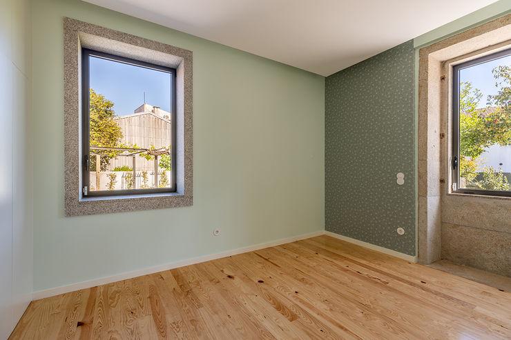 Depois - Quarto - Casa em S. Mamede (arquitetura) - SHI Studio Interior Design ShiStudio Interior Design